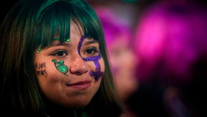 Más de 200 mil mujeres marcharon en La Plata