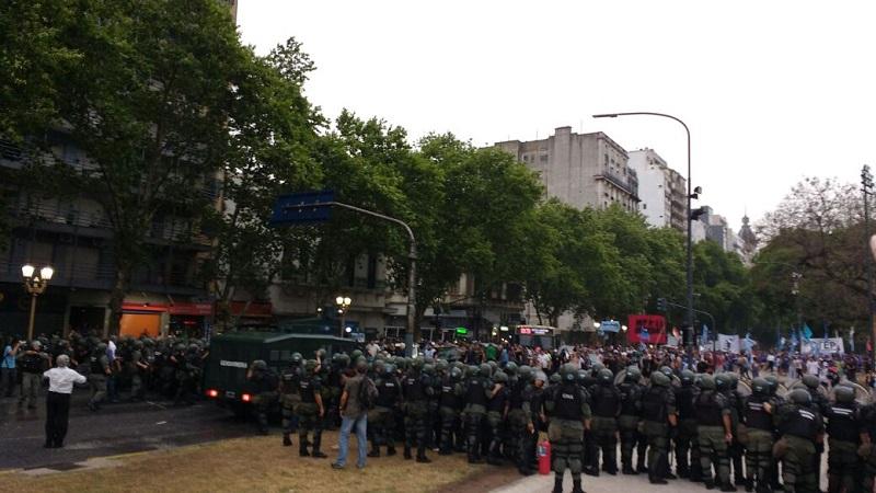 Buenos Aires: Gendarmería impidió que instalen carpas los manifestantes