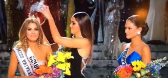 MISS UNIVERSE 2015 WINNER MIXUP (COLOMBIA IS CROWNED BY MISTAKE) STEVE HARVEY MISTAKE - YouTube