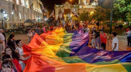 """""""Las lesbianas son naturalmente violentas"""", según conductores de Radio Salta"""