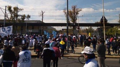 Trabajadores y vecinos se movilizaron por la terminación del Hospital Grierson en Lugano