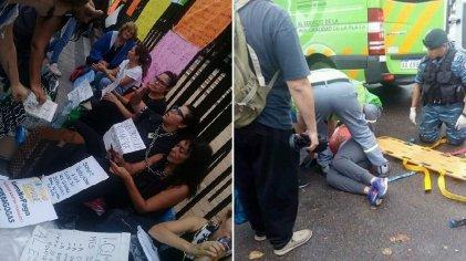 La Plata: atacaron a acompañantes terapéuticos de IOMA que protestaban en la Gobernación