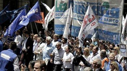 Trabajadores del Bapro se movilizan, pero La Bancaria no unifica las luchas