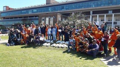 [Video] Crisis Hospital Posadas: protesta contra los despidos y el ajuste junto a los mineros de Río Turbio