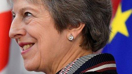 May en la cuerda floja: las renuncias en el gabinete ponen fin al acuerdo del Brexit