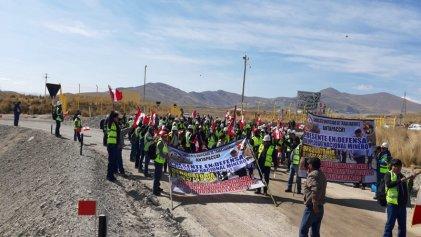 Miles de mineros realizan huelga nacional en Perú