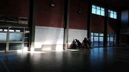 Repudiable: tapan murales en el Cpem 28 de San Martín de los Andes