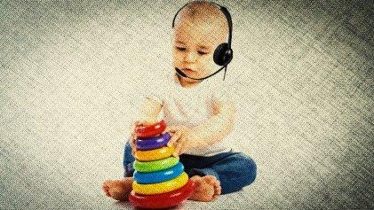 """Tuvo que llevar a su hijo al call center y el supervisor le dijo: """"Que vaya aprendiendo"""""""