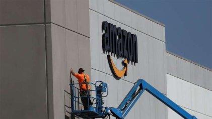 Trabajadores de Amazon en Estados Unidos protestan contra la precarización laboral