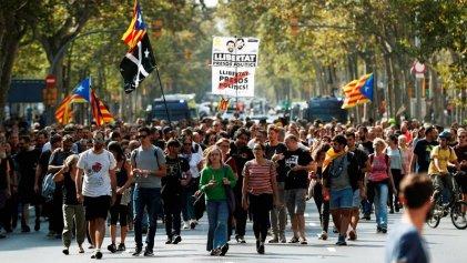 Ante las condenas a los dirigentes soberanistas catalanes: exigen amnistía inmediata a los presos políticos