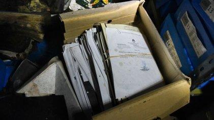 """Encuentran por """"casualidad"""" archivos sobre la AMIA: ¿por qué todavía permanecen ocultos?"""