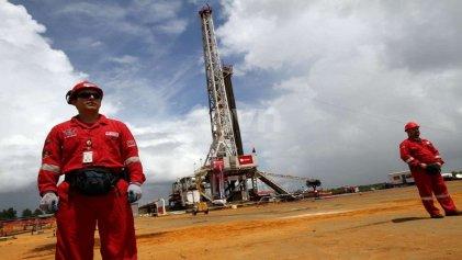 Vaca Muerta: las empresas petroleras realizan despidos encubiertos