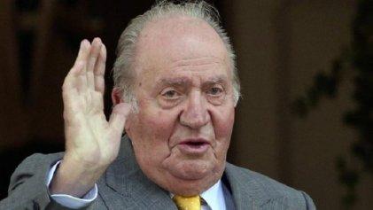 Acosado por juicios y escándalos, Juan Carlos I se va del Estado español