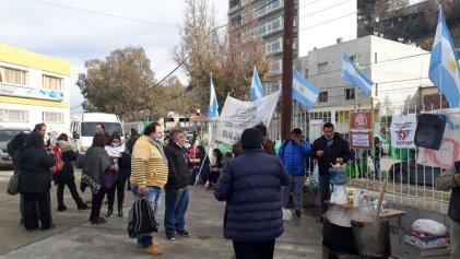 Comodoro Rivadavia: Trabajadores de la salud del Hospital Regional votan rechazar el pago de la deuda