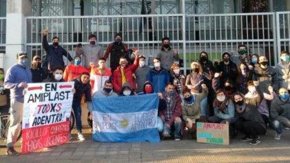 Ensenada: trabajadores de Amiplast se movilizan a los portones de la empresa