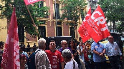 Concentración en Madrid en apoyo a la huelga general en Brasil