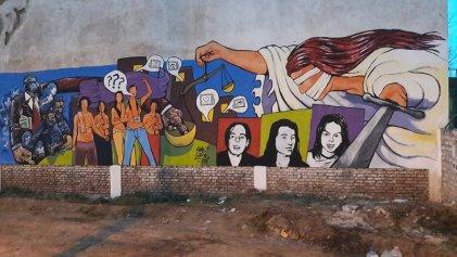 """""""Caminando los 20 años del Triple Crimen"""" realizó la primera muraleada en Cipolletti"""