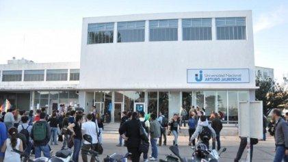Prefectura allanó la Universidad Nacional Arturo Jauretche