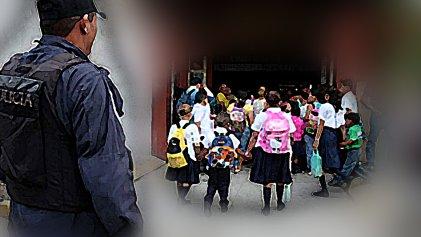 Mataderos: policía entra a un colegio para interrogar a un nene de tercer grado