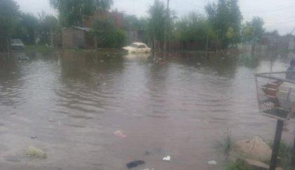 La Matanza se inunda mientras Magario y Espinoza hacen campaña