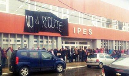 Tierra del Fuego: ataque a la educación