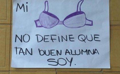 Código de vestimenta: impiden a una alumna inscribirse en el colegio Manuel Dorrego