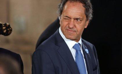 Scioli respondió a las acusaciones de Carrió por desvío de dinero