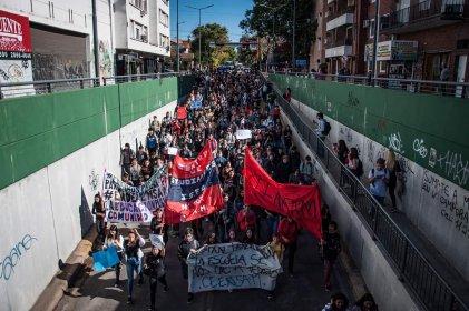 Lomas de Zamora: continúa el reclamo de los estudiantes secundarios y terciarios por la educación pública
