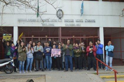 Monte Grande: acto de estudiantes y docentes en apoyo a la lucha de Chubut
