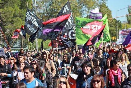 Carlos Fuentealba presente ahora y siempre: masiva marcha contra la impunidad