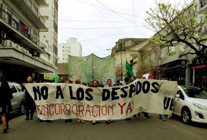 La Plata: Los estatales siguen su pelea contra los despidos