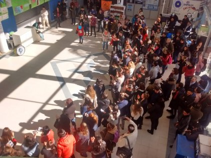 Estudiantes, docentes y trabajadores de la Universidad Nacional de José C Paz en pie por la educación pública.