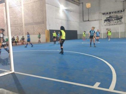 Se realizó el primer torneo de fútbol femenino en Madygraf