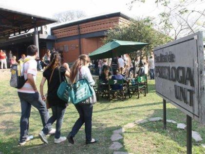 La Facultad de Psicología de la UNT se niega a formar estudiantes para intervenir en la pandemia