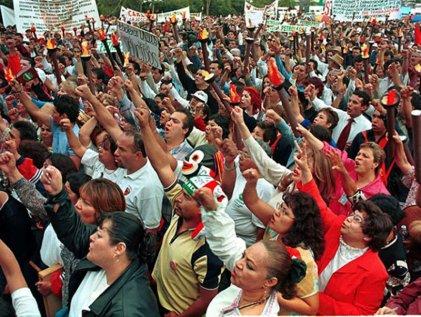 Petroleros impulsan comité de lucha contra la entrega de Pemex