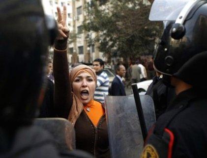 "Mujeres y ""feminismos"" frente a la islamofobia occidental"
