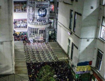 Denunciaron a la Facultad de Filosofía y Letras (UBA) por hablar de Santiago Maldonado