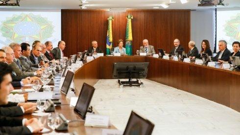 Guerra de rumores, iniciativas parlamentarias y judiciales tras el rechazo de las cuentas de Dilma