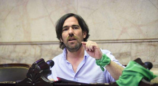 """Nicolás del Caño: """"Acá no hay grieta, todos los Gobiernos ajustaron a los jubilados"""""""