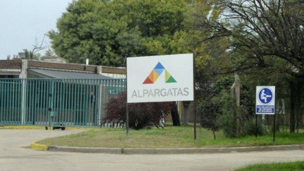 La Pampa: Alpargatas despidió a 73 trabajadores