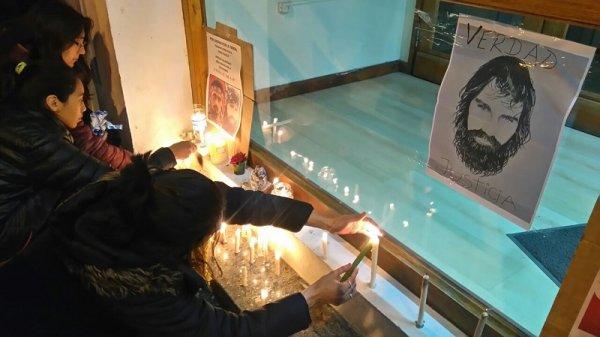 Esquel: concentración frente al Juzgado Federal exige justicia por Santiago