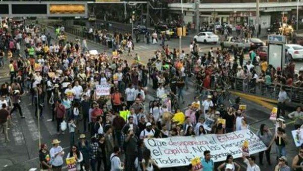 Marchan miles en Jalisco contra las desapariciones forzadas