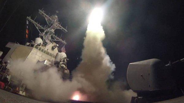 Estados Unidos lanza ataque con misiles contra Siria junto a Francia y Gran Bretaña