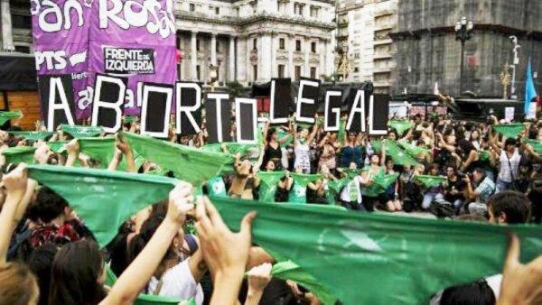 Pañuelazo por el derecho al aborto legal en el ISFD n° 41 de Adrogué