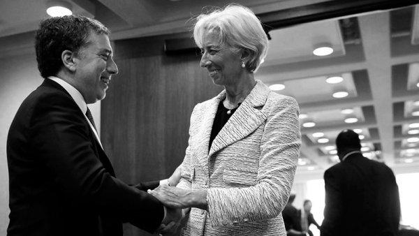 Mientras se cocina el acuerdo, Gobierno y FMI buscan tirar la pelota a la otra cancha