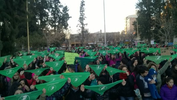 En Río Negro el Gobierno y la Iglesia son responsables de las agresiones a quienes portamos el pañuelo verde