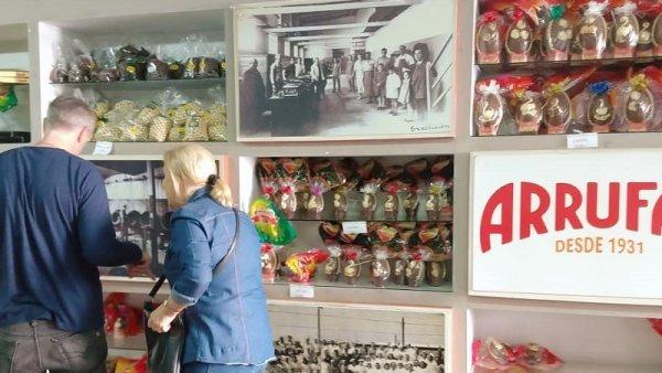 La chocolatería recuperada Arrufat invita a la comunidad a probar sus huevos de Pascuas