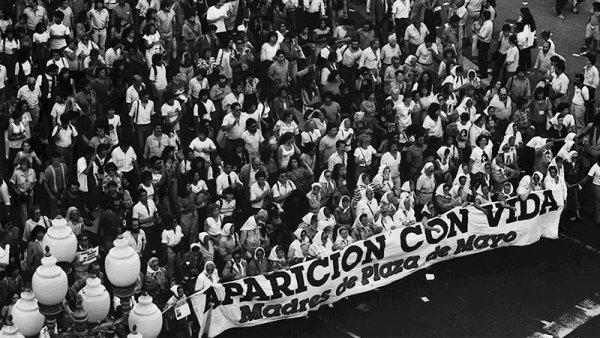 Hace 42 años comenzaban las rondas de las Madres de Plaza de Mayo