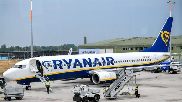 Pilotos irlandeses de la low cost Ryanair votan ir a la huelga