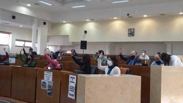 Concejales aprobaron que se disponga acceso virtual para la cobertura cargos docentes
